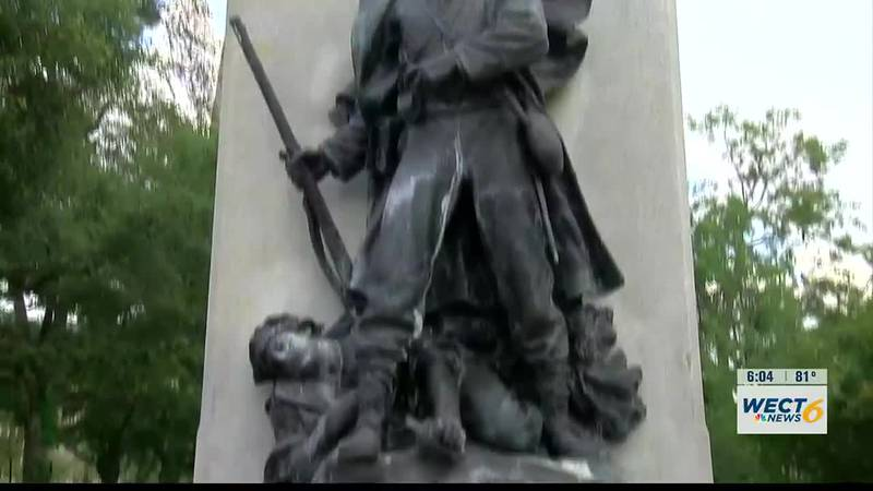 City Council votes to permanently remove two Confederate statues from downtown Wilmington