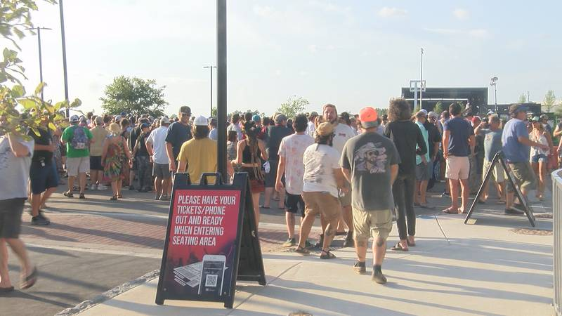 Crowds line up to see Widespread Panic at the Live Oak Bank Pavilion at Riverfront Park