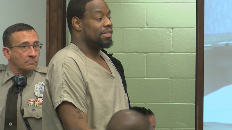 35 year old Hiram Farmer in court Thursday at a bond hearing (Source: WECT)