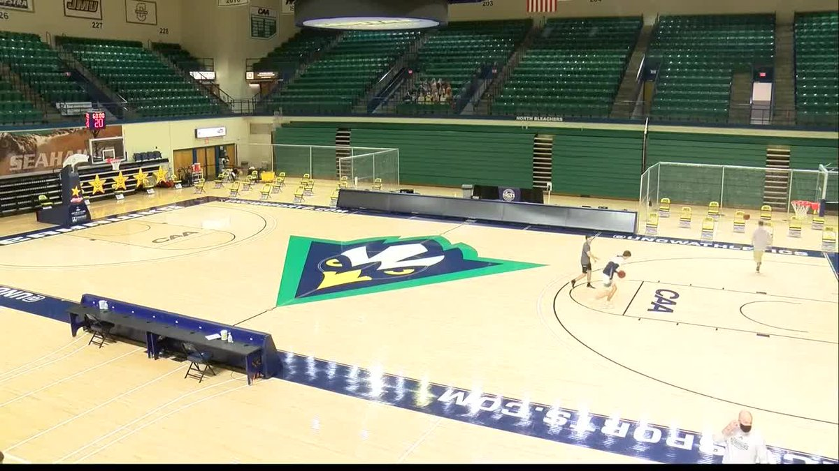 UNCW men's basketball team play first home game
