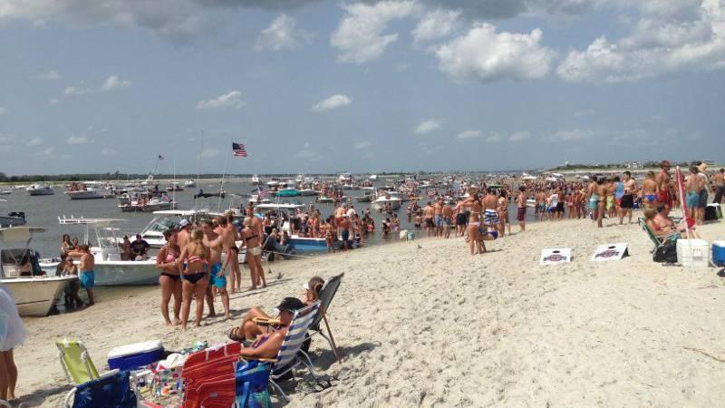 Large Fourth of July celebration on Masonboro Island (Source: masonboro.org)