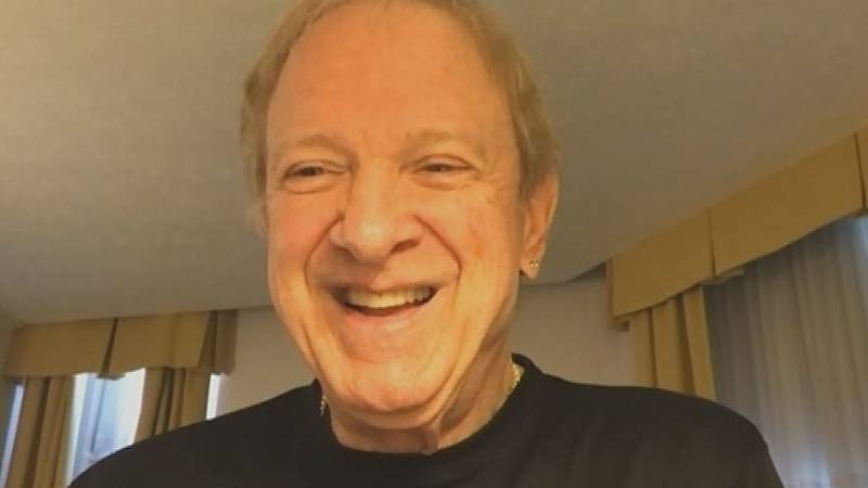 Lee Loughnane, one of the founding members of the rock and roll band Chicago, is the guest on...