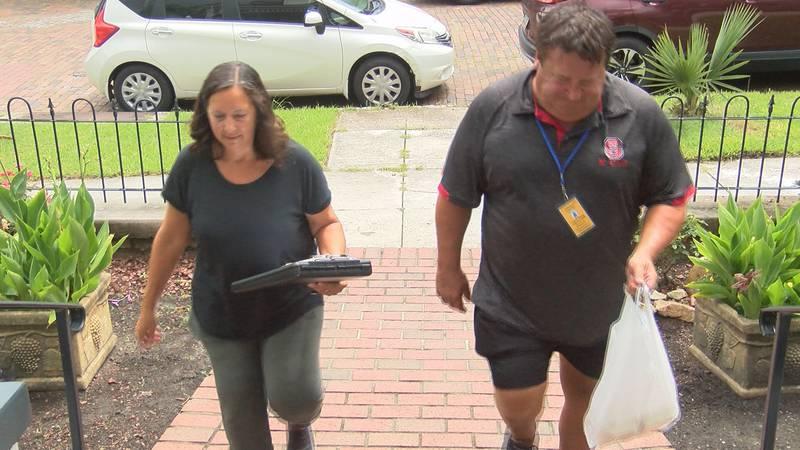 Volunteers Kathy and Steve Swiss